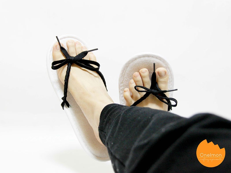 Picture Of easy diy shoeslace flip flops  8