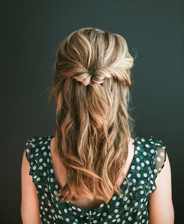 Easy diy topsy half up hairstyle for valentine s day dinner 187 photo