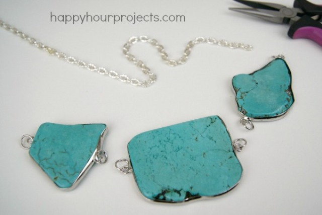 Picture Of easy diy turquoise necklace  3