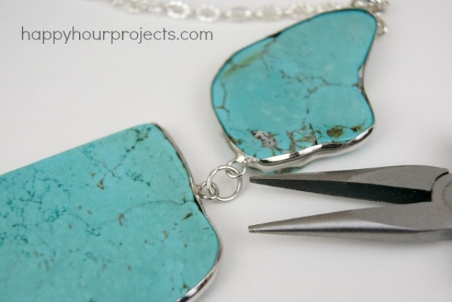 Picture Of easy diy turquoise necklace  4