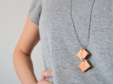easy-diy-upcycled-leather-necklace-1