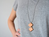 easy-diy-upcycled-leather-necklace-2