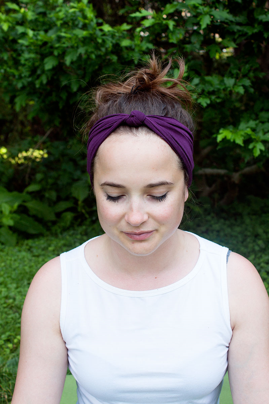Picture Of easy diy yoga headband to enjoy summer workout  1