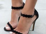 easy-yet-eye-catching-diy-scalloped-heels-1
