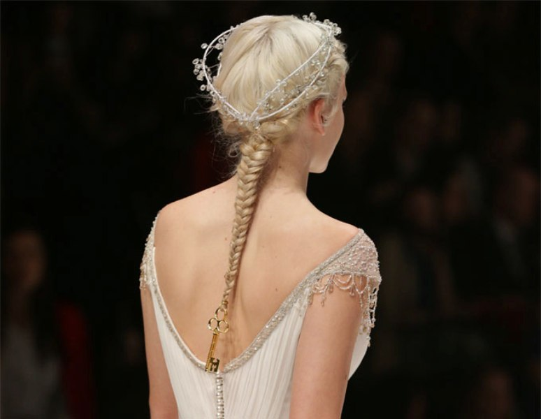 Picture Of elegant diy victorian gothic inspired braid to make  1