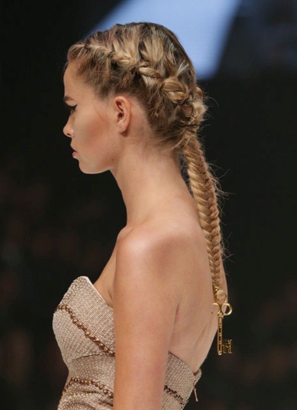 Picture Of elegant diy victorian gothic inspired braid to make  4