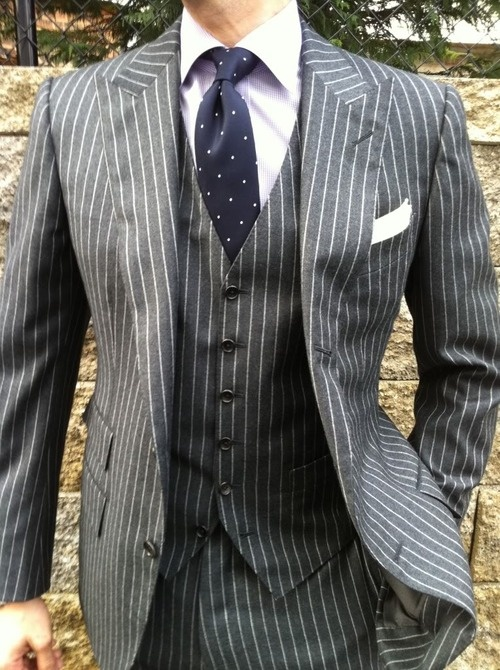 Picture Of elegant striped men outfits for work  15
