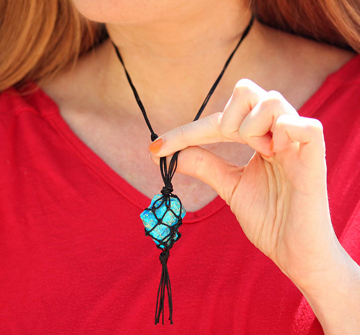 Picture Of eye catching diy macrame pendant necklace  1