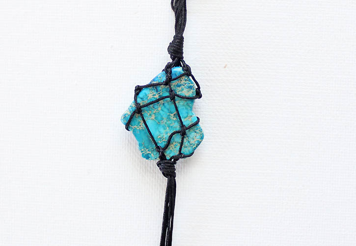 Picture Of eye catching diy macrame pendant necklace  8