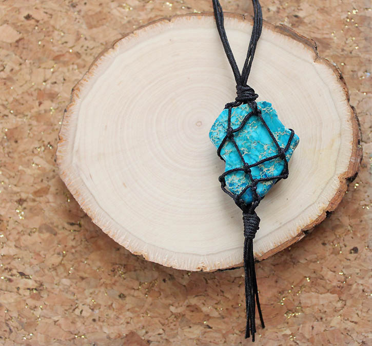 Picture Of eye catching diy macrame pendant necklace  9