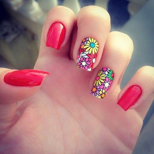 Picture Of eye catching summer nails designs  16