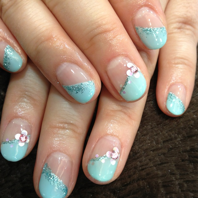 Picture Of eye catching summer nails designs  17