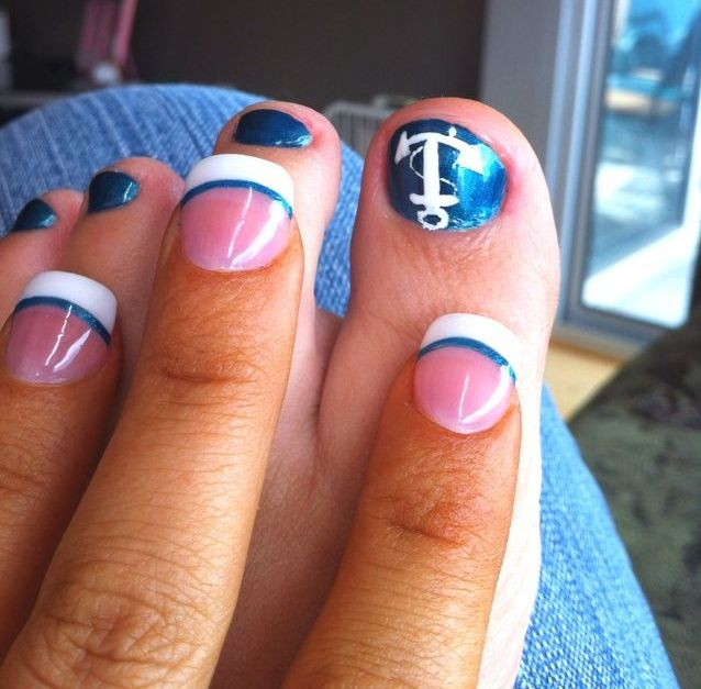 Picture Of eye catching summer nails designs  2