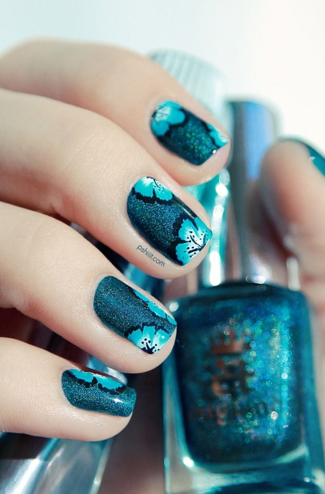 Picture Of eye catching summer nails designs  5