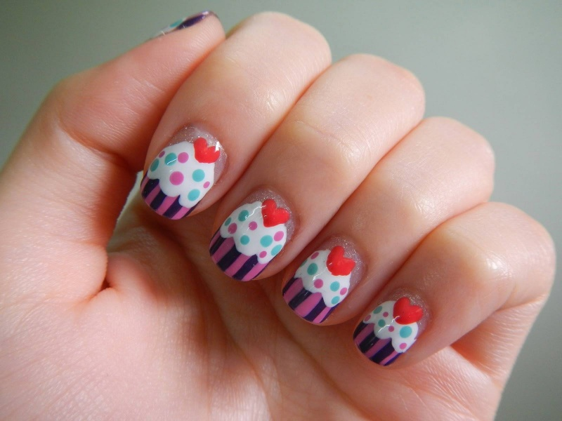 Picture Of eye catching summer nails designs  9