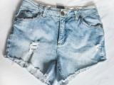 fashionable-diy-high-waist-distressed-denim-shorts-2