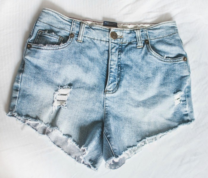 Picture Of fashionable diy high waist distressed denim shorts  2