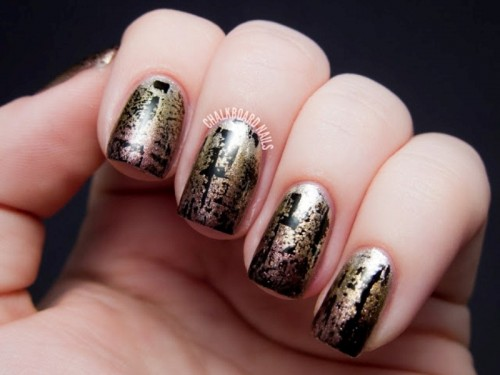 Fashionable DIY Metallic Distressed Manicure To Try