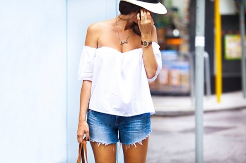 Feminine And Sexy DIY Off-Shoulder Summer Top