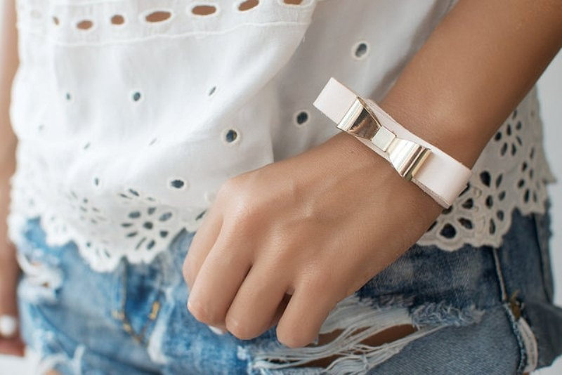 Picture Of feminine diy leather bow bracelet  2