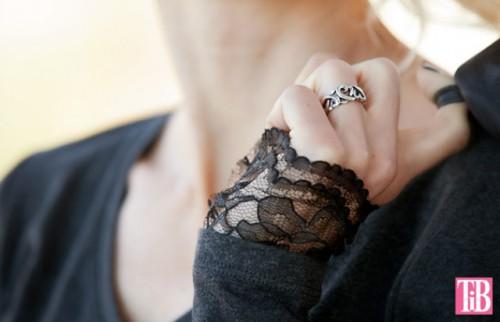 Feminine DIY T-Shirt With Lace Cuffs