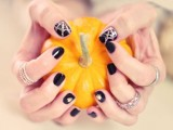 festive-and-glam-diy-halloween-manicure-13