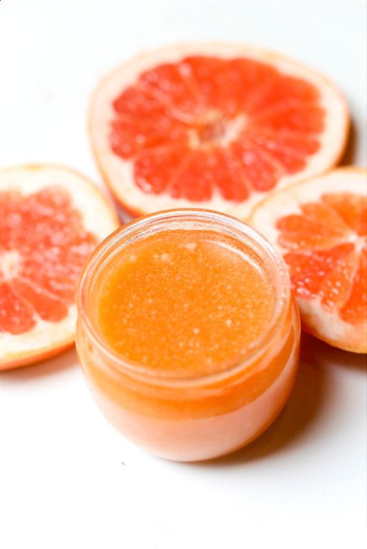 Picture Of fresh diy grapefruit sugar body scrub  1