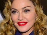 from-coral-to-cherry-celebrities-red-lips-looks-11