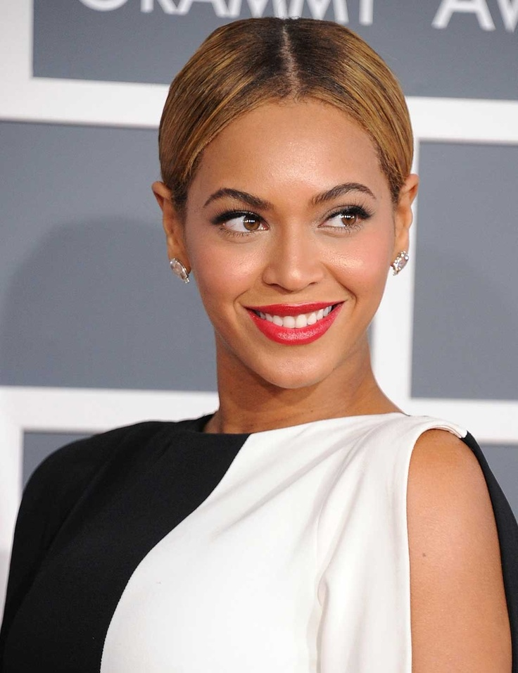 Picture Of from coral to cherry celebrities red lips looks  18