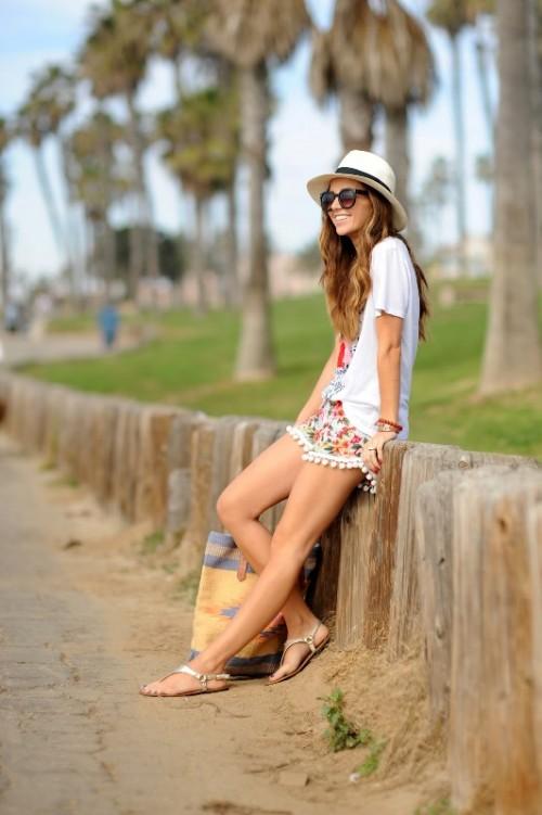 Funny And Comfy DIY Pom Pom Beach Shorts