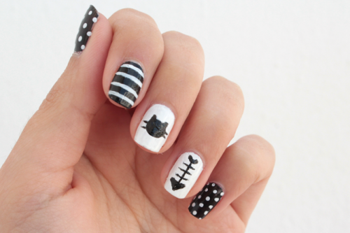 Funny DIY Black And White Cat Nails