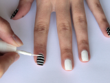 funny-diy-black-and-white-cat-nails-4