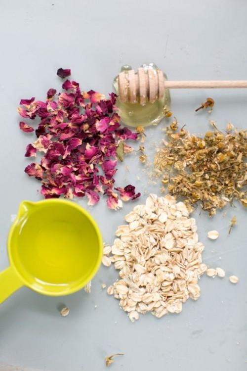 DIY Almond And Honey Face Scrub