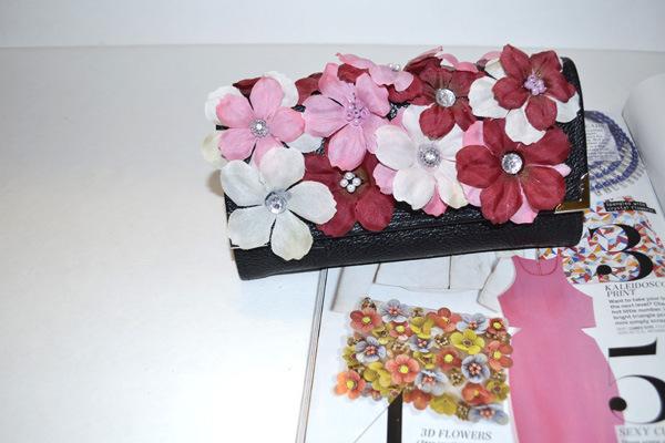 faux flowers clutch