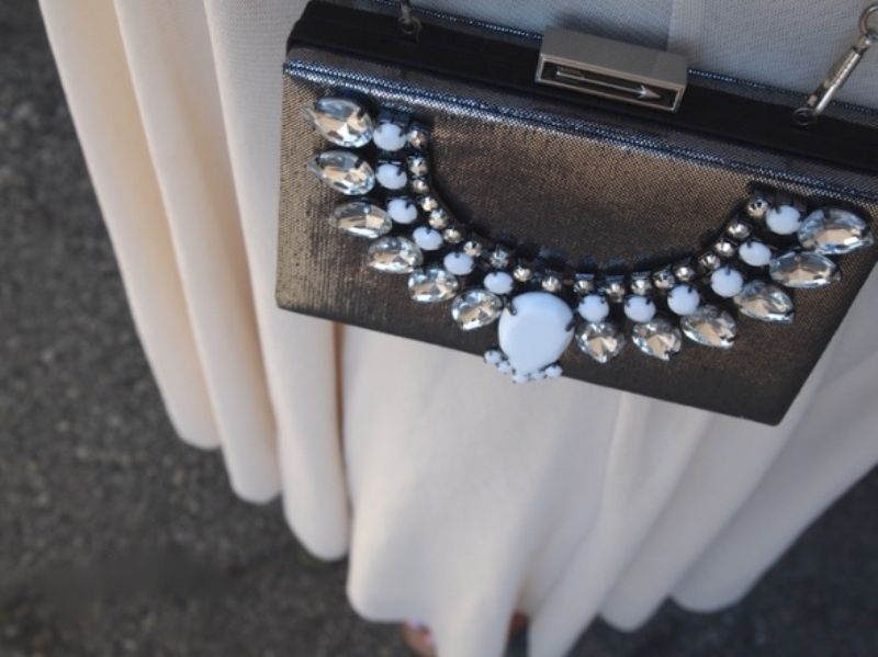Picture Of glam diy jeweled clutch  1