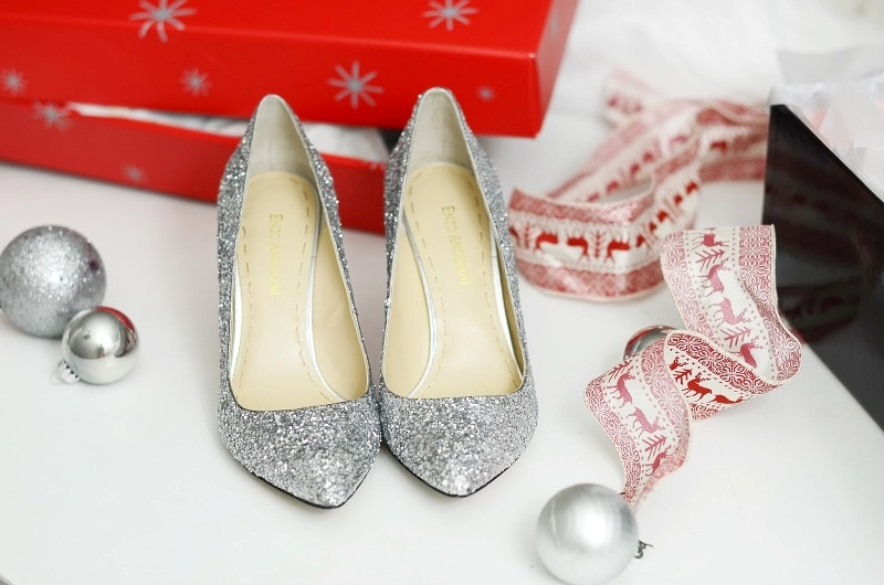 Picture Of glam diy sparkle pumps for christmas party  3