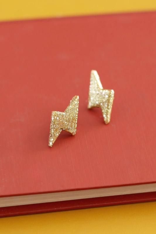 Picture Of glittery gold 90s inspired diy thunderbolt earrings to make  1