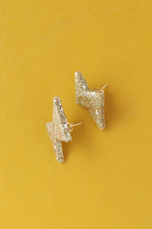 Picture Of glittery gold 90s inspired diy thunderbolt earrings to make  3