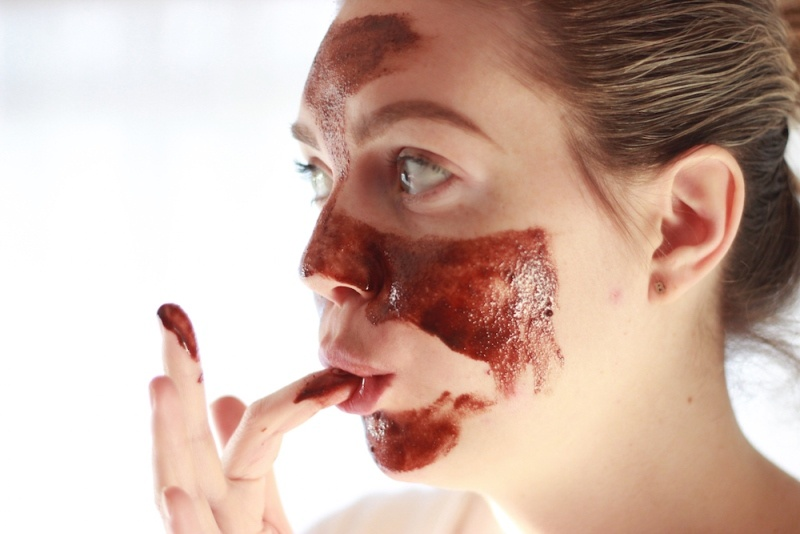 Picture Of gorgeous diy chocolate face mask to try  3