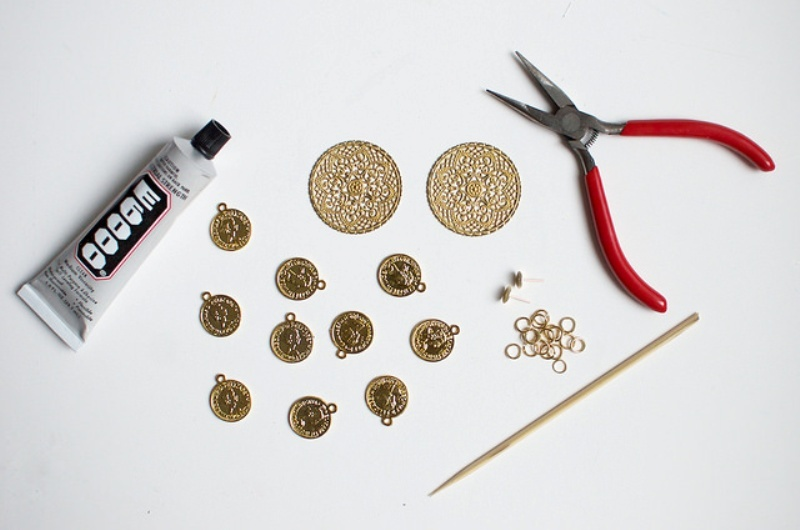 Picture Of gorgeous diy dolcegabbana inspired coin earrings  2