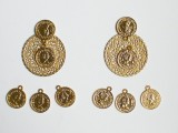 gorgeous-diy-dolcegabbana-inspired-coin-earrings-3