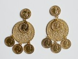 gorgeous-diy-dolcegabbana-inspired-coin-earrings-5