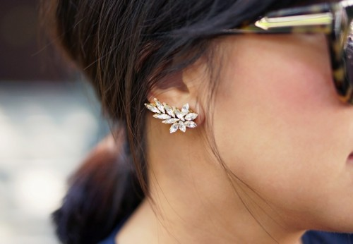 Gorgeous DIY Ear Cuff With Swarovski Rhinestones