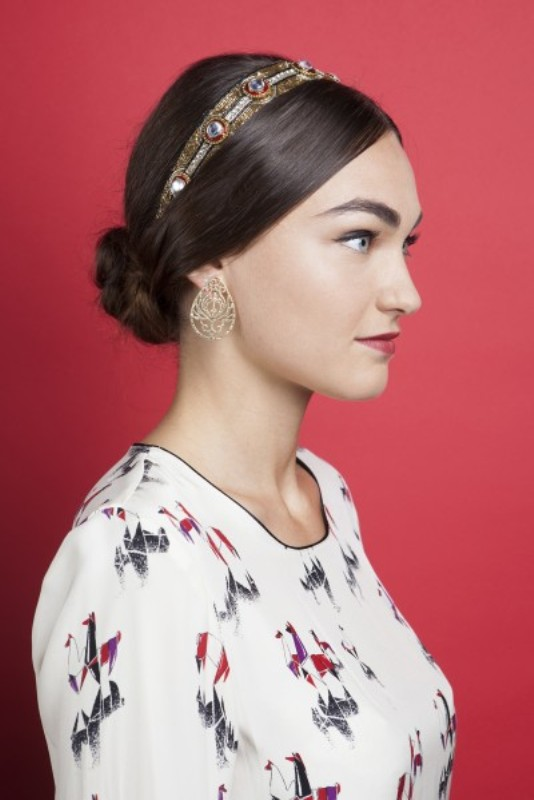 Picture Of gorgeous diy hairstyle with dg inspired headband  1