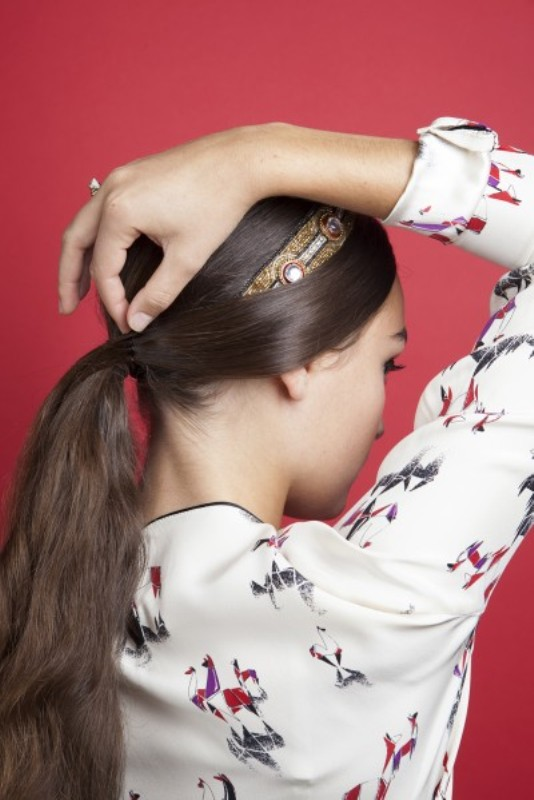 Picture Of gorgeous diy hairstyle with dg inspired headband  5