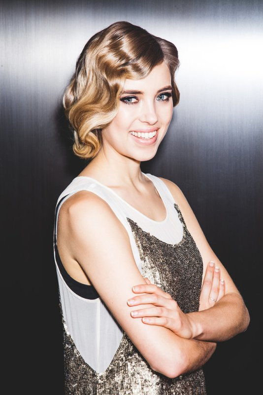 Picture Of gorgeous diy retro 20s faux bob with finger waves  6