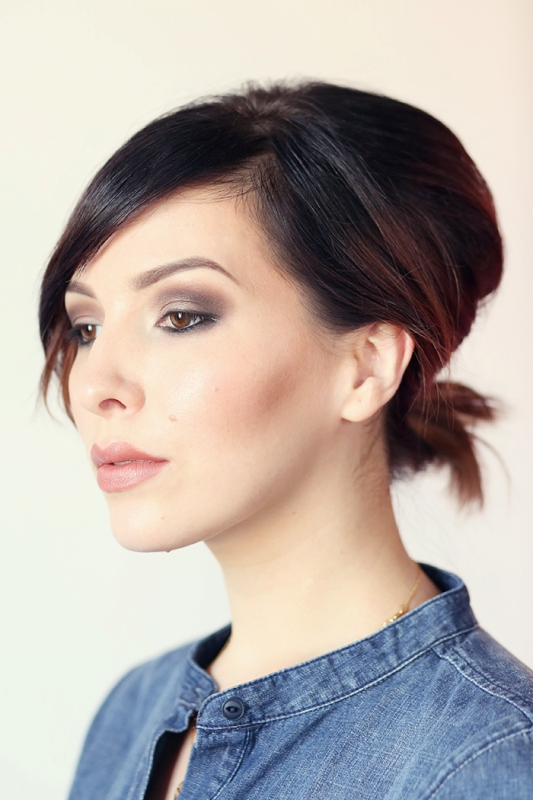 Picture Of gorgeous diy voluminized ponytail for short hair  1