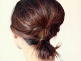 gorgeous-diy-voluminized-ponytail-for-short-hair-2