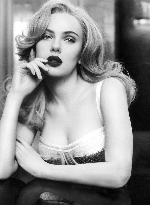 Picture Of gorgeous scarlett johansson retro hairstyles  5