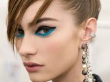 hot-2014-trend-12-ideas-to-rock-aqua-blue-eyeliner-10